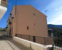 Resale - Town house - Ares del Bosque - Benasau